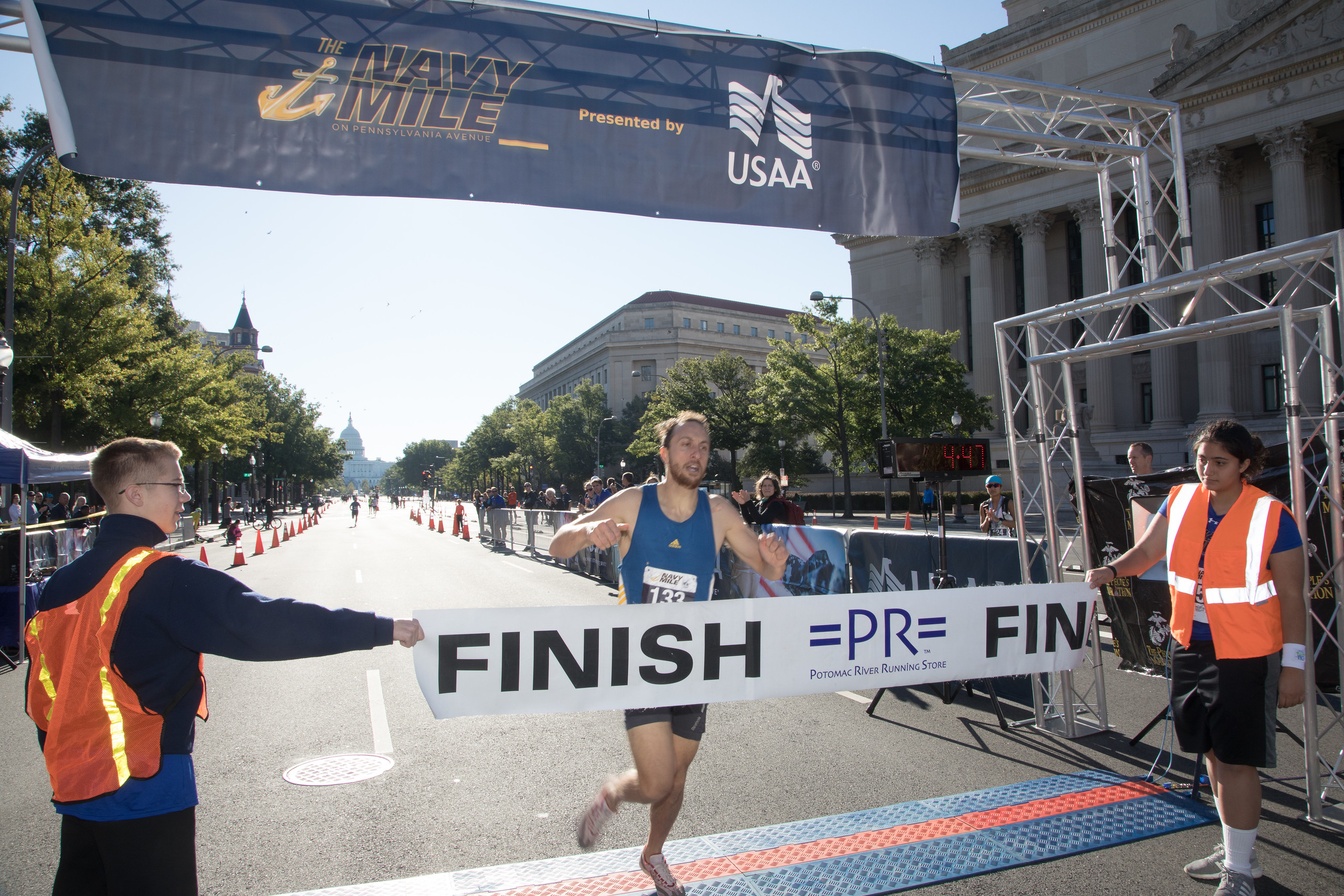 DC Navy Mile Finish Line